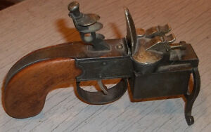 DUNHILL Tinder Pistol table-size Lighter.Made in England.1936