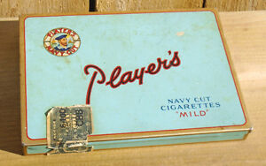 VINTAGE 1943's PLAYER'S FLAT FIFTIES TOBACCO TIN