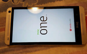 HTC one m7 32GB unlocked good condition WITH CHARGER 514-679-566