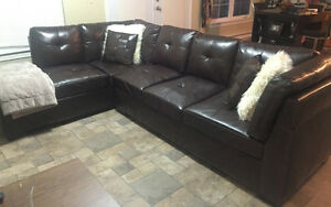 Sofa sectionnel en cuir/ sectional sofa in leather