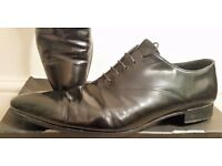 Men's Shoes Prada Size 8 Black. Wear few time to go out. Brand new Thimson rubber pad