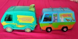 2 Scooby Doo Mystery Machine Van Toys / Vehicles