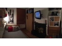 Double bedroom in a shared gay house, Canary Wharf