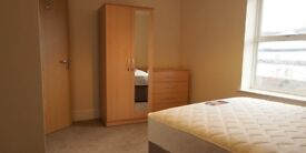 double room to rent in nice area in Tividale. close to all amenities. Bills are included .