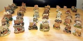 Selection of Lilliput Lane cottages- prices range from £8-10. Please message for further details