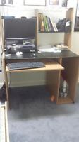 WOODEN LARGE COMPUTER DESK WITH LOTS OF ROOM
