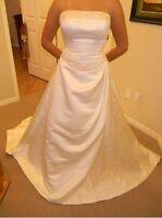Sample wedding dresses - New never been worn