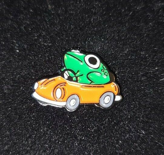 Frog Driving Car Pin Broach Button #LCPS