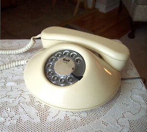 Northern Telecom Dawn Almond/Cream Rotary Dial Telephone