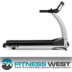FINESS WEST: Floor Model Clearance Event - TRUE M30 Treadmill