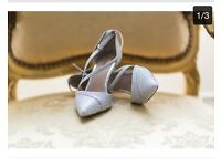 Beautiful wedding shoes size 5