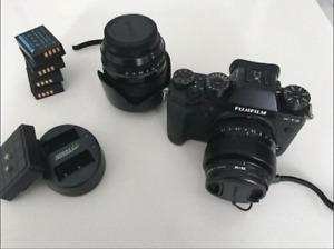 Fuji XT2 body, 5x batteries, 2 lens