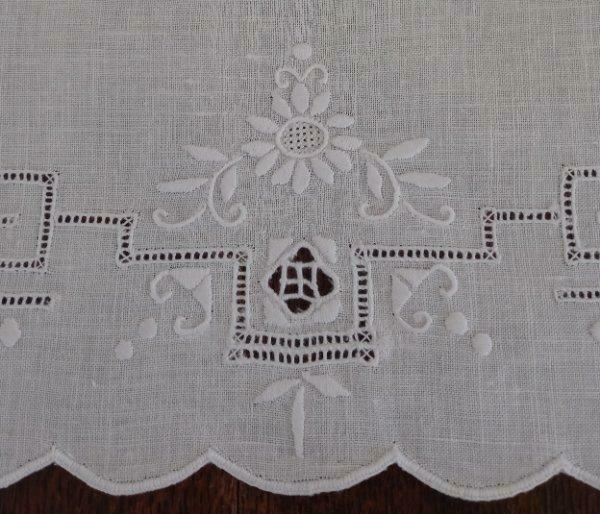 Vintage Set Italian Embroidered Placemats Honeycomb Lace White