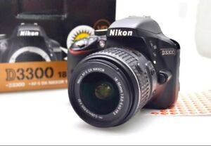 Nikon D3300 with box and lens