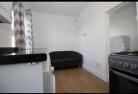 2 BEDROOM FLAT TO RENT IN SOUTHALL £1150 PER MONTH