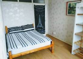 Very big double room available near West Ham