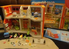 Playmobil Boxed As New Complete with Instructions City Life Furnished Children's Hospital Set 6657