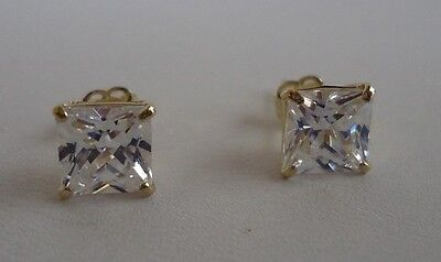 10K SOLID YELLOW GOLD STUD EARRINGS / W 2 CT PRINCESS DIAMONDS/STUNNING LOOK