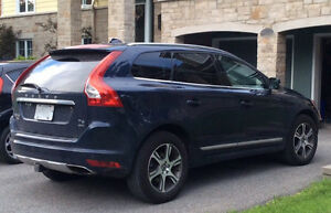 Like new  2015 Volvo XC60 T6 AWD, hitch, roof rack, snowtires