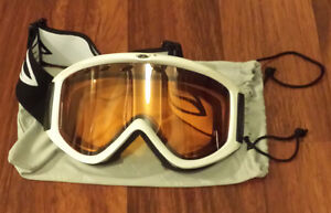 BRAND NEW Smith Optics Scope Goggles (White Frame, RC36 Lens)