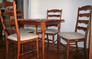 Great kitchen table and chairs