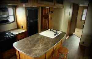bunkhouse travel trailer 2013 **** comes with warranty***