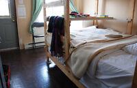 Chambre 9 m2 à partir de/from: 360 $/m (room)