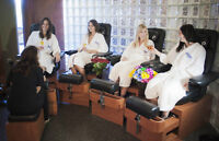 Esthetician required for progressive Resort overlooking a lake