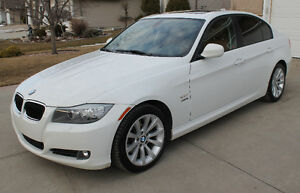IMMACULATE SHOWROOM CONDITION 2011 BMW 328i Xdrive, MUST SEE!