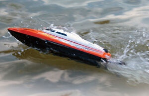 High Speed 25km/h Remote Control Boat with Auto Rolling Back