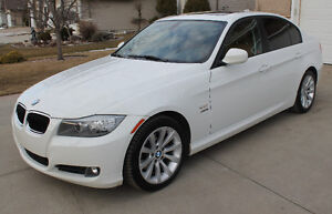 BEAUTIFUL IMMACULATELY KEPT 2011 BMW 328i Xdrive, MUST SEE!