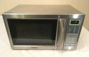Excellent Sylvania Stainless Steel Microwave SEE VIDEO