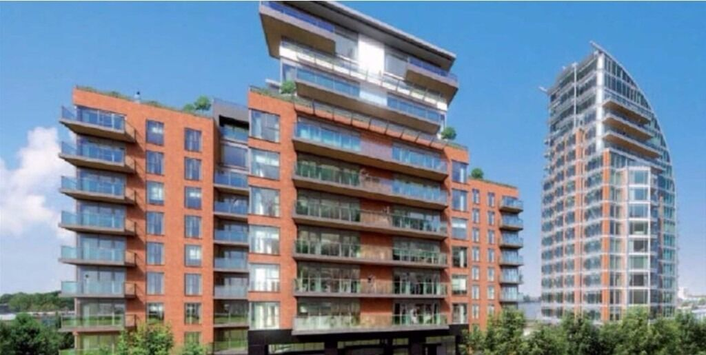 INCREDIBLE NEW BUILD LUXURY FLAT OVERLOOKING THE THAMES! PROPERTY COMES WITH ITS OWN PARKING SPACE