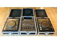 2 x CDJ 1000 MK3 - 1 x DJM 800 (Flight Cases Included)