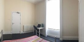 5 double rooms available on Hope Street, Liverpool City Centre for 109 PPPW inc. bills