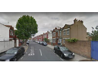 Furnished 2 bed flat on first floor available in Willesden Green, Housing Benefit and DSS accepted.