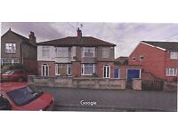 3 bedroom Semi-detached house to rent with garage and shed. Close to amenities and rail station.