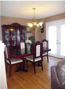 Spacious family house in Ancaster Meadowlands.