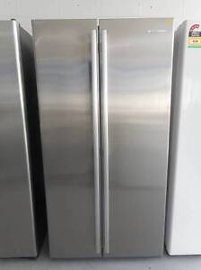 ( MFF 145 ) Second Hand WESTINGHOUSE S/steel D/Door 606 L F/F Bundall Gold Coast City Preview