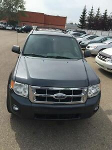 2008 Ford Escape xlt SUV, Crossover with moon roof AWD