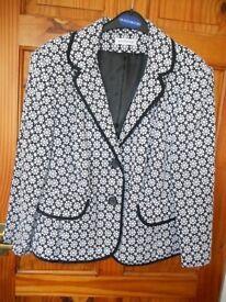 ladies quality Gray & Osbourn jacket size 22