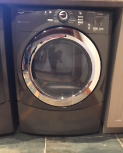 Maytag Dryer 7 years old excellent condition