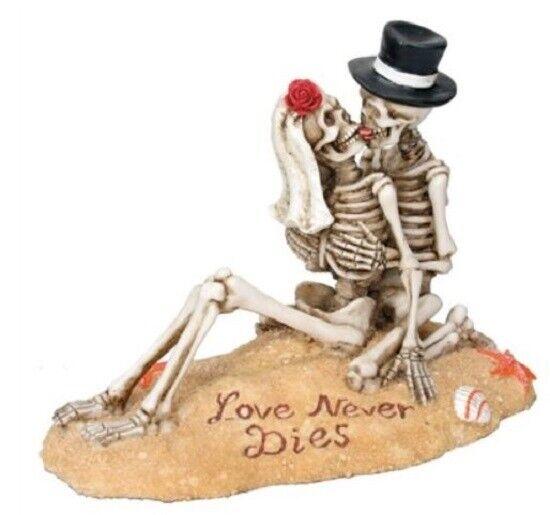 Skeleton Couple Beach Lovers Dia de los Muertos Day of the Dead Figurine