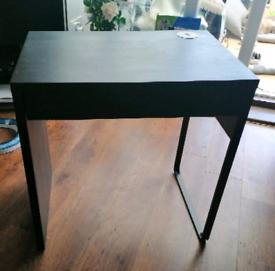IKEA Mikie Desk including - 3 port USB power supply