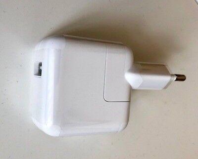 Original Apple 10W USB Power Adapter ()