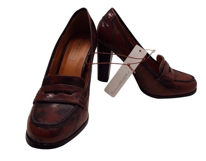 Red Herring Size 6 block heels distressed chocolate colour
