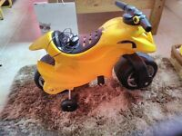 Yellow Quad Bike for children aged 3-5: almost brand new and in immaculate condition