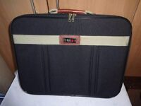SMALL SUITCASE/OVERNIGHT BAG