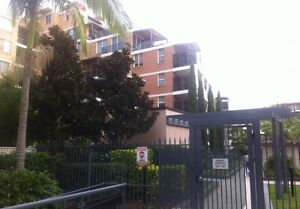 Looking for one of girl for big second room(share with only 1girl) Wolli Creek Rockdale Area Preview