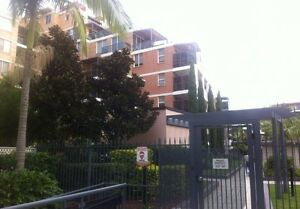 Looking for couple or two girls living our flat in Wolli creek! Wolli Creek Rockdale Area Preview